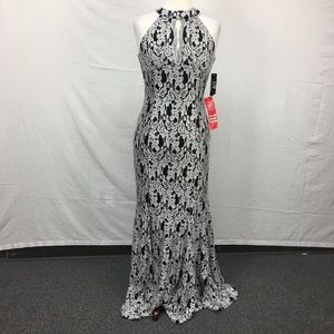 Night Way Black/Silver Lace Keyhole Gown